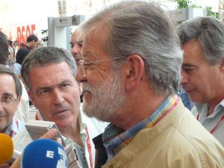Rodríguez Ibarra quiere revolucionar el ideario digital del PSOE en el Congreso de Sevilla