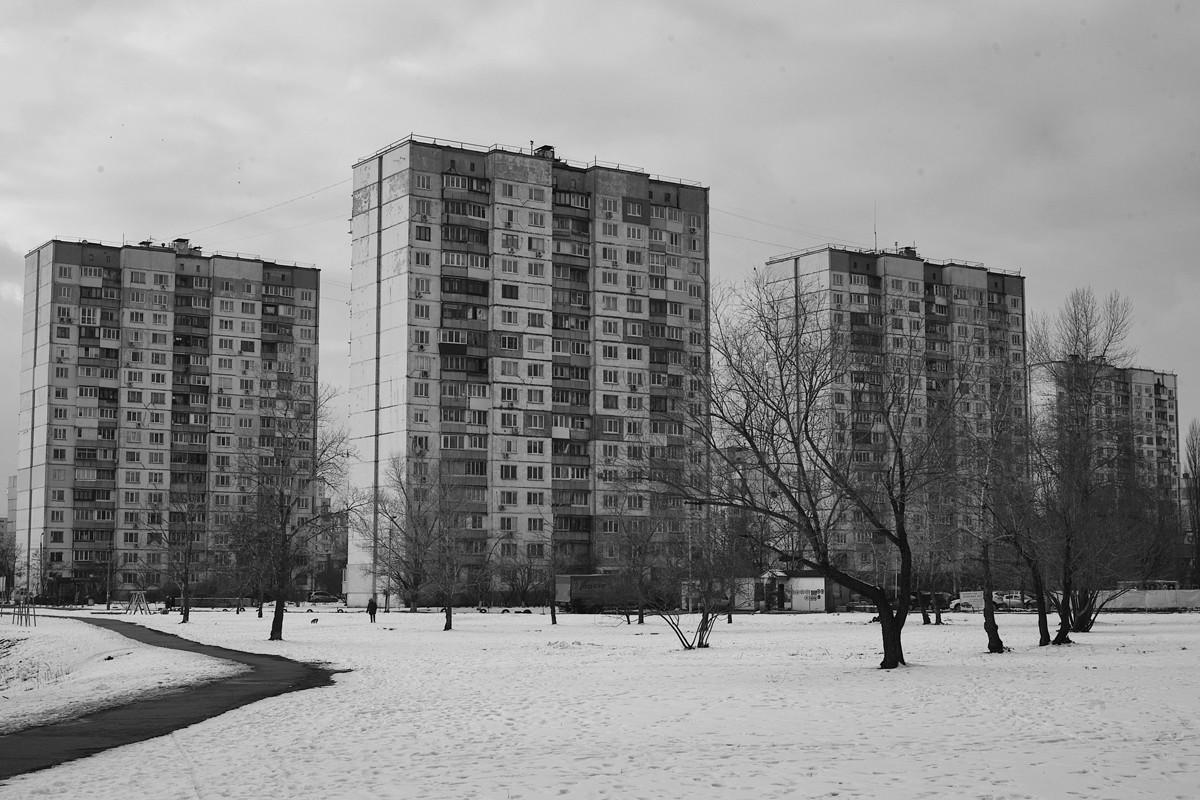 """Mitifica, que algo (negativo) queda. Crítica del artículo de Communia-Emancipación """"Vivienda y urbanismo en la Revolución rusa"""". 1366_2000"""