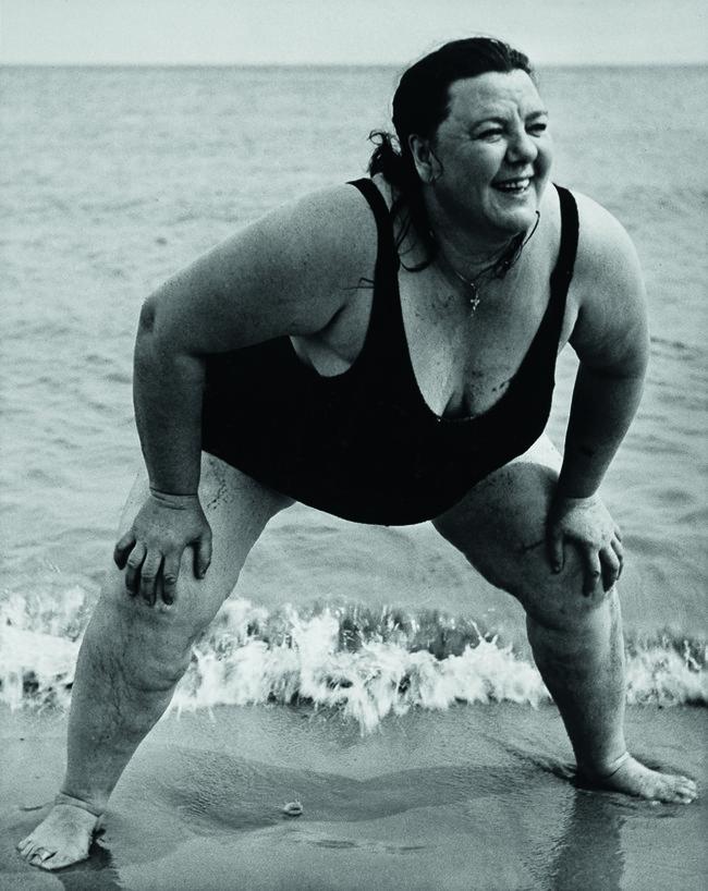 Lisette Model Bañista de Coney Island, Nueva York, ca.1939- 1941 Gelatina de plata 49,3 x 39,1 cm Colecciones FUNDACIÓN MAPFRE, FM000819 © The Lisette Model Foundation, Inc. (1983) Used by permission