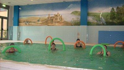 Ejercicios simples para hacer en una piscina