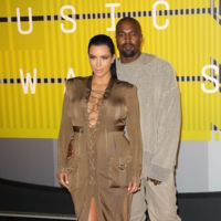 Kim Khardashian apuesta por los 70's en los MTV Video Music Awards