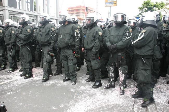 Police 616576 1280