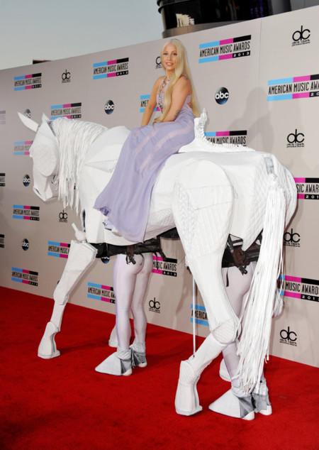 Las peor vestidas en los American Music Awards 2013