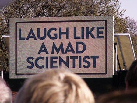 Rie como un científico loco