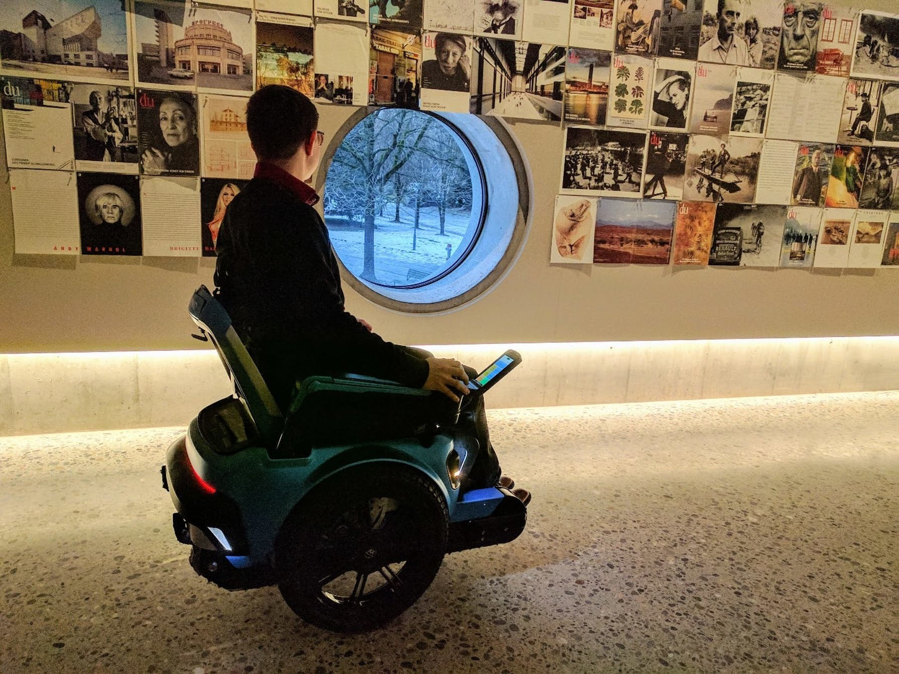 La silla de ruedas del siglo xxi se mueve como un segway for Silla que se mueve