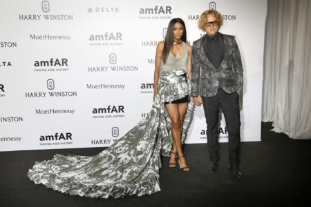 La sobrefalda de cola de Ciara y Peter Dundas