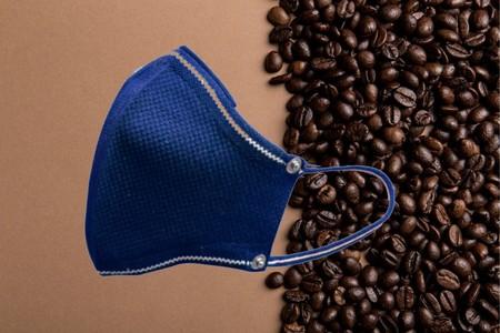 Crean cubrebocas con filtro hechos con café. Son tapabocas ecológicos