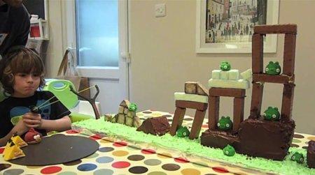 Llega la tarta jugable y comestible de Angry Birds, la imagen de la semana