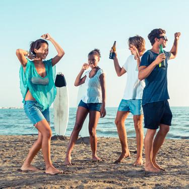 El consumo de alcohol, drogas e Internet entre los adolescentes es cada vez más frecuente, y la intervención precoz es clave