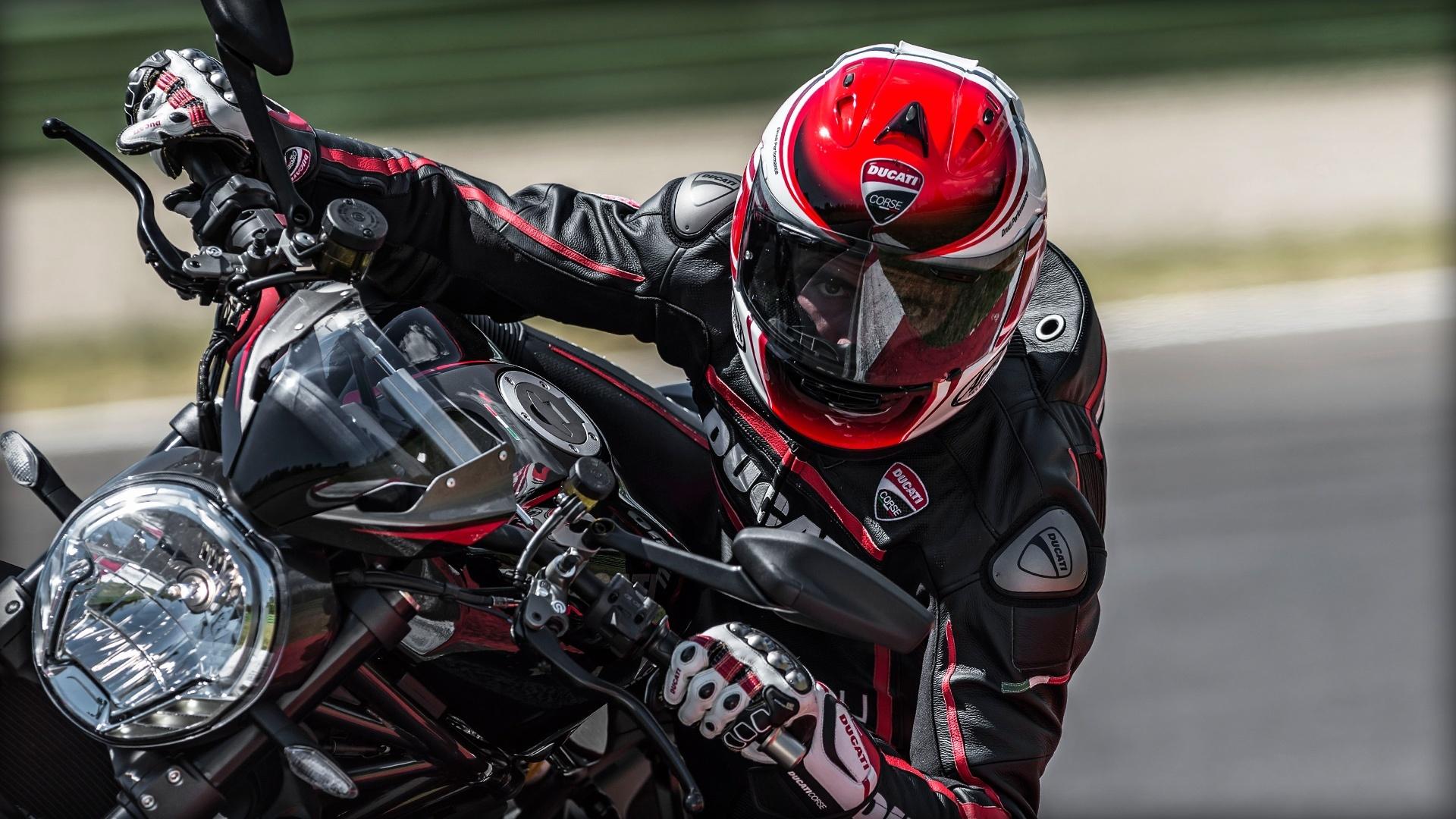 Foto de Ducati Monster 1200 R (7/30)