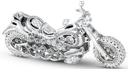 Miniatura de motocicleta hecha con diamantes
