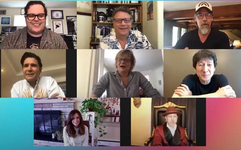 'Los Goonies': el reparto de la mítica película se reúne con fines benéficos y sus responsables hablan de la posible secuela