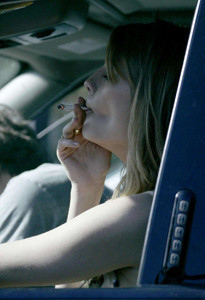 Mischa Barton, fumeta y peligrosa