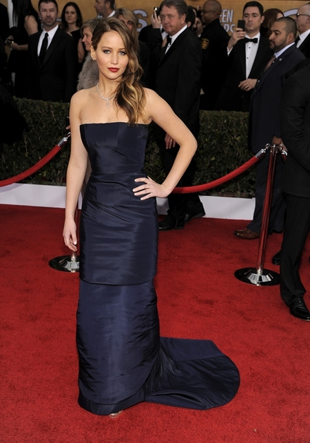 SAG Awards 2013: El día en que Jennifer Lawrence fue a recoger un premio y perdió medio vestido
