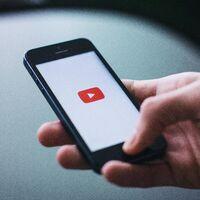 Comenzar un video de YouTube en smartphone y terminar de verlo en escritorio: así es la nueva sincronización de YouTube