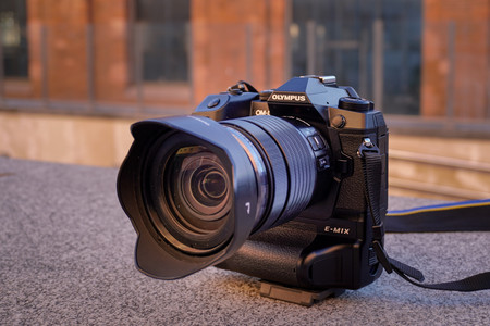 Olympus OM-D E-M1X, Fujifilm X-T3, Nikon D750 y más cámaras, objetivos y accesorios al mejor precio: Llega nuestro Cazando Gangas