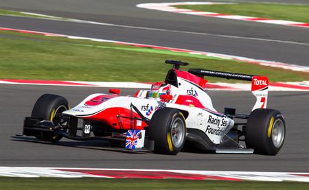 Jack Harvey y Giovanni Venturini triunfan en la ronda británica de la GP3