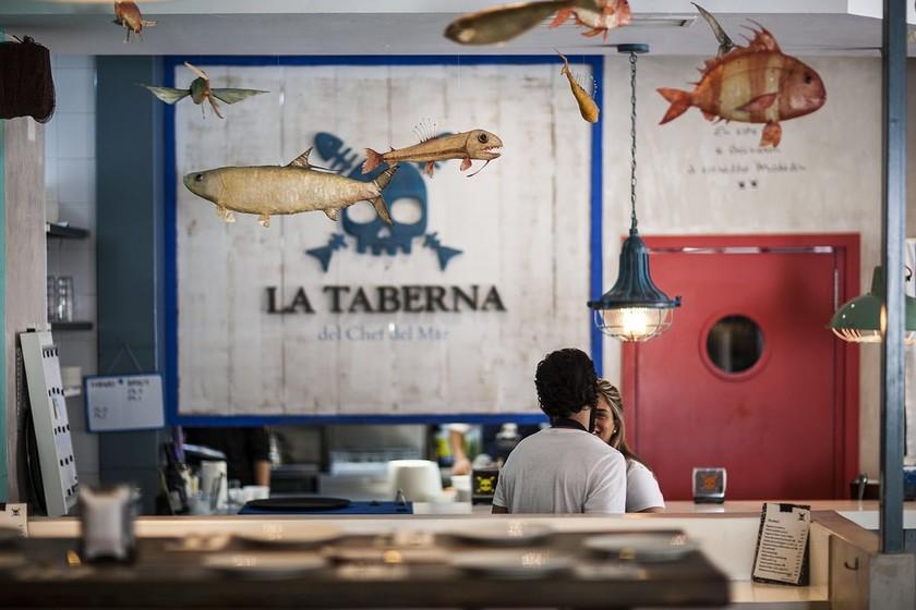 De cocineros y restaurantes cover image