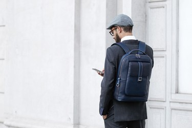 NAVA Design y su mochila Courier Leather: el estilo de Milán