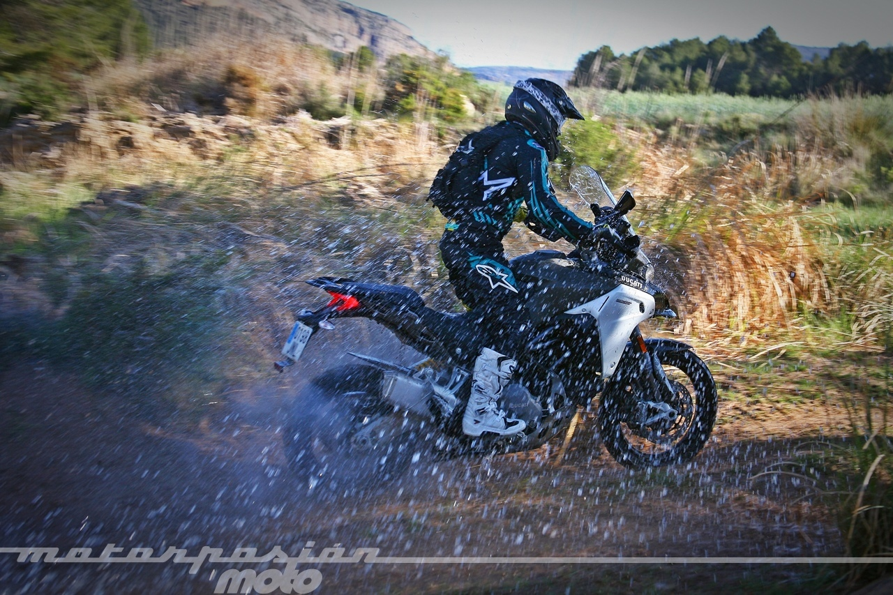 Foto de Ducati Multistrada 1200 Enduro - Acción (10/37)
