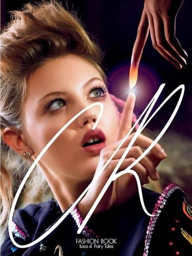 CR Fashion Book lo vuelve a petar con sus dos nuevas portadas