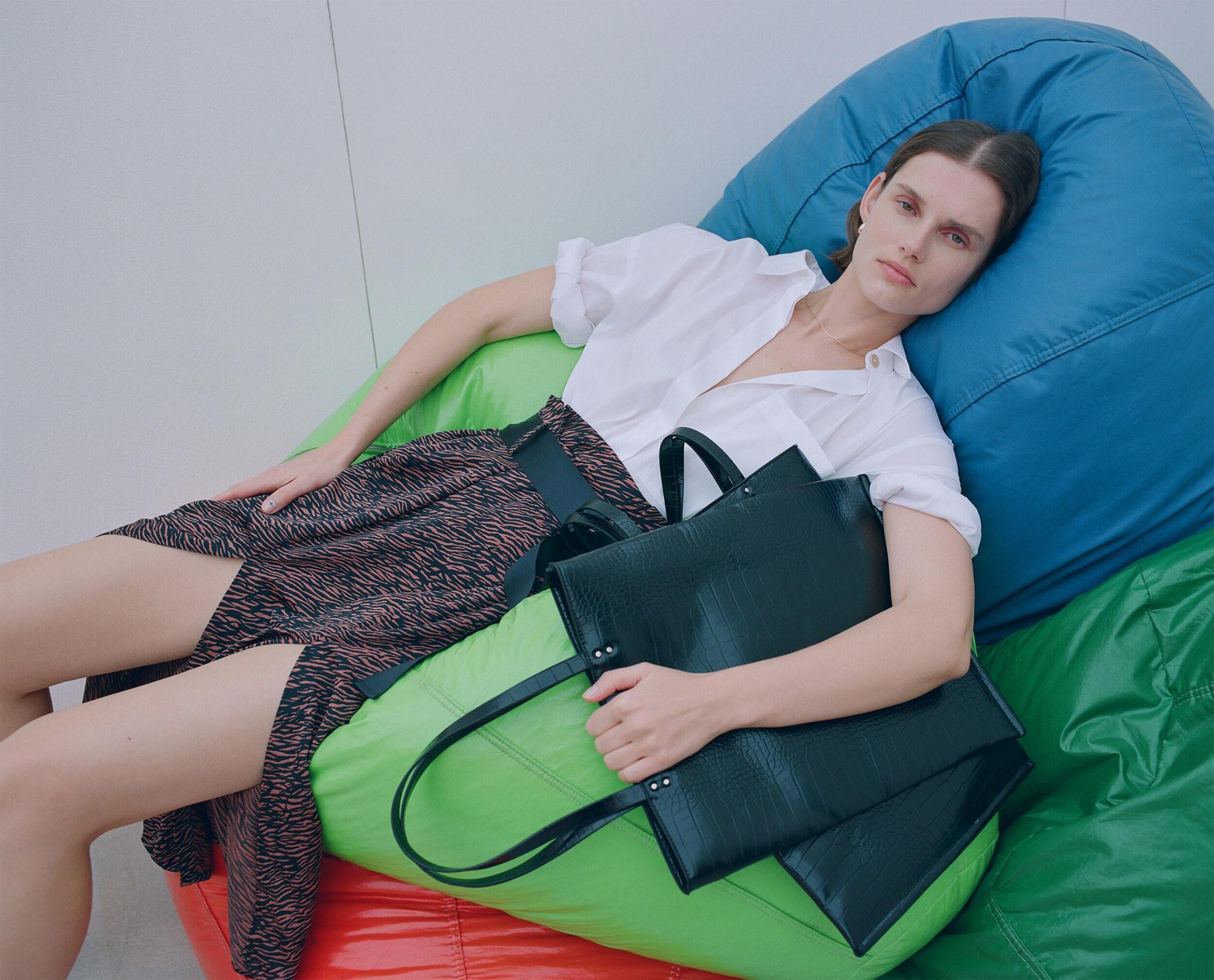La tentación de Zara  su nuevo editorial va a introducirse en tu cabeza a  modo de obsesión c29d7166ee1