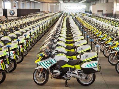 La Guardia Civil ha debido ser muy buena este año, porque Papá Noel les ha traído 291 BMW R 1200 RT