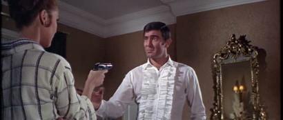 '007 Al Servicio Secreto de su Majestad', James Bond enamorado