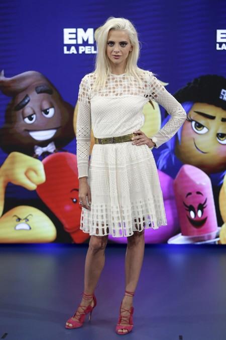 macarena gomez premiere emoji movie madrid look estilismo outfit