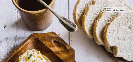 Papas al horno rellenas con huevo. Receta fácil para Semana Santa