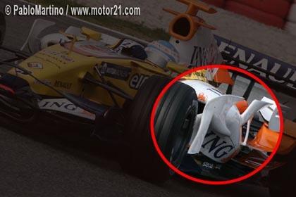 Alonso prueba un nuevo apéndice en el R28