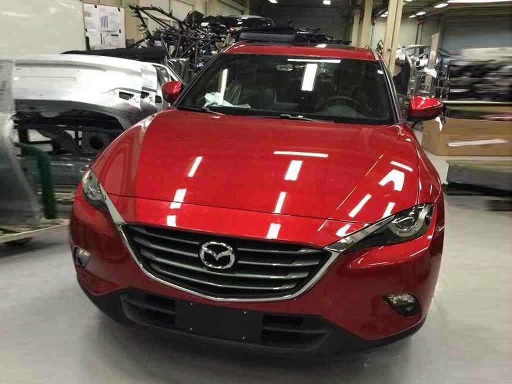 Foto de Mazda CX-4 (13/18)