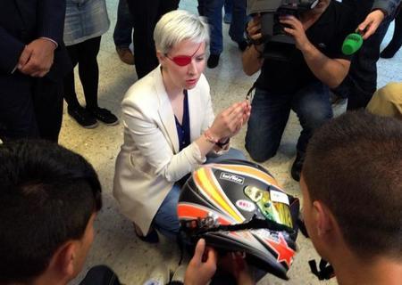 Así quedó el casco de María de Villota tras el accidente
