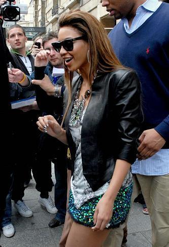 Beyoncé y su estilismo de Balmain: adiós a las hombreras exageradas