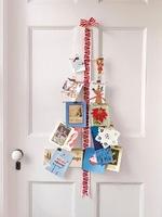Una buena idea: un árbol de Navidad con postales