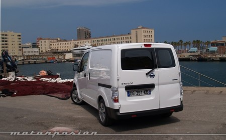 nissan-env200-furgon-1000-mp-02.jpg