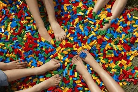 Lego celebra su aniversario cumpliendo 40 años en España mientras sigue inspirando la imaginación en los peques