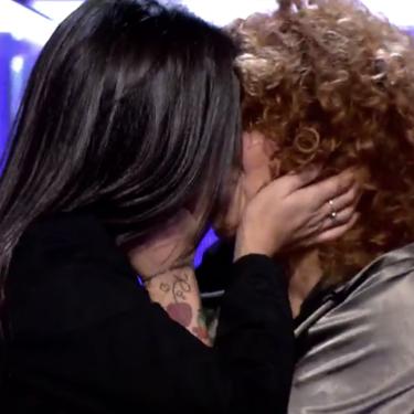 'Secret Story: La casa de los secretos': el apasionado beso entre Sofía Cristo y Fiama que no se vio en Telecinco