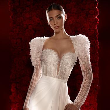 Así de espectacular es la nueva colección de vestidos de novia de Pronovias (y algunos de ellos son sostenibles)
