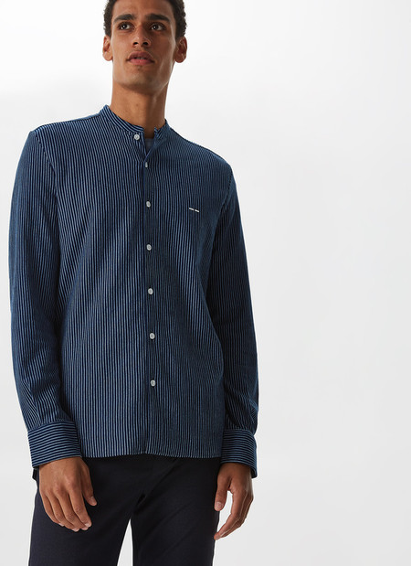 Llena De Azul Tu Armario Con Las Rebajas De Adolfo Dominguez Conestas Camisas
