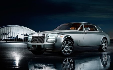 Rolls-Royce presenta en Pebble Beach el Phantom Coupé Aviator Collection, nueva serie limitada