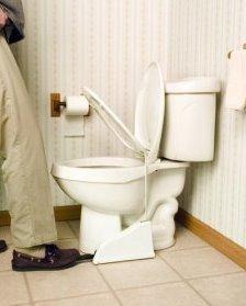 Pedal que levanta el asiento del inodoro