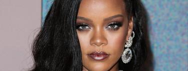 Rihanna se mete a videoblogger de belleza y nos enseña a usar su nuevo iluminador para estas fiestas