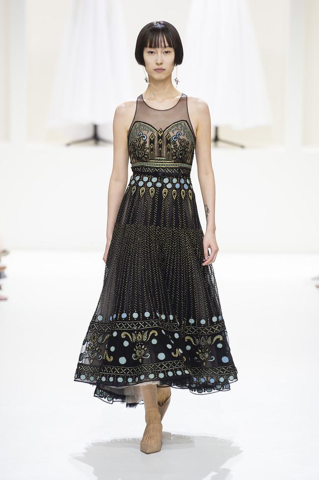 d32054f2a8 Cuánto tiempo cuesta hacer un vestido de Dior? - Vida Sana Ecuador