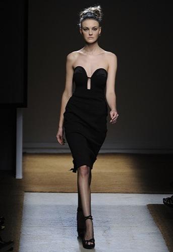 Yves Saint Laurent, Primavera-Verano 2010 en la Semana de la Moda de París V