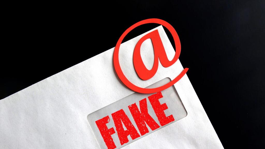 Los emails de las administraciones españolas son vulnerables a suplantaciones de identidad (sí, también las de Moncloa y el INCIBE)
