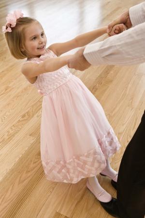Niña en un baile de pureza