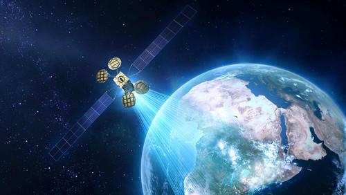 Así queda la carrera entre Facebook y Google por llevar Internet a zonas remotas tras la explosión del AMOS-6