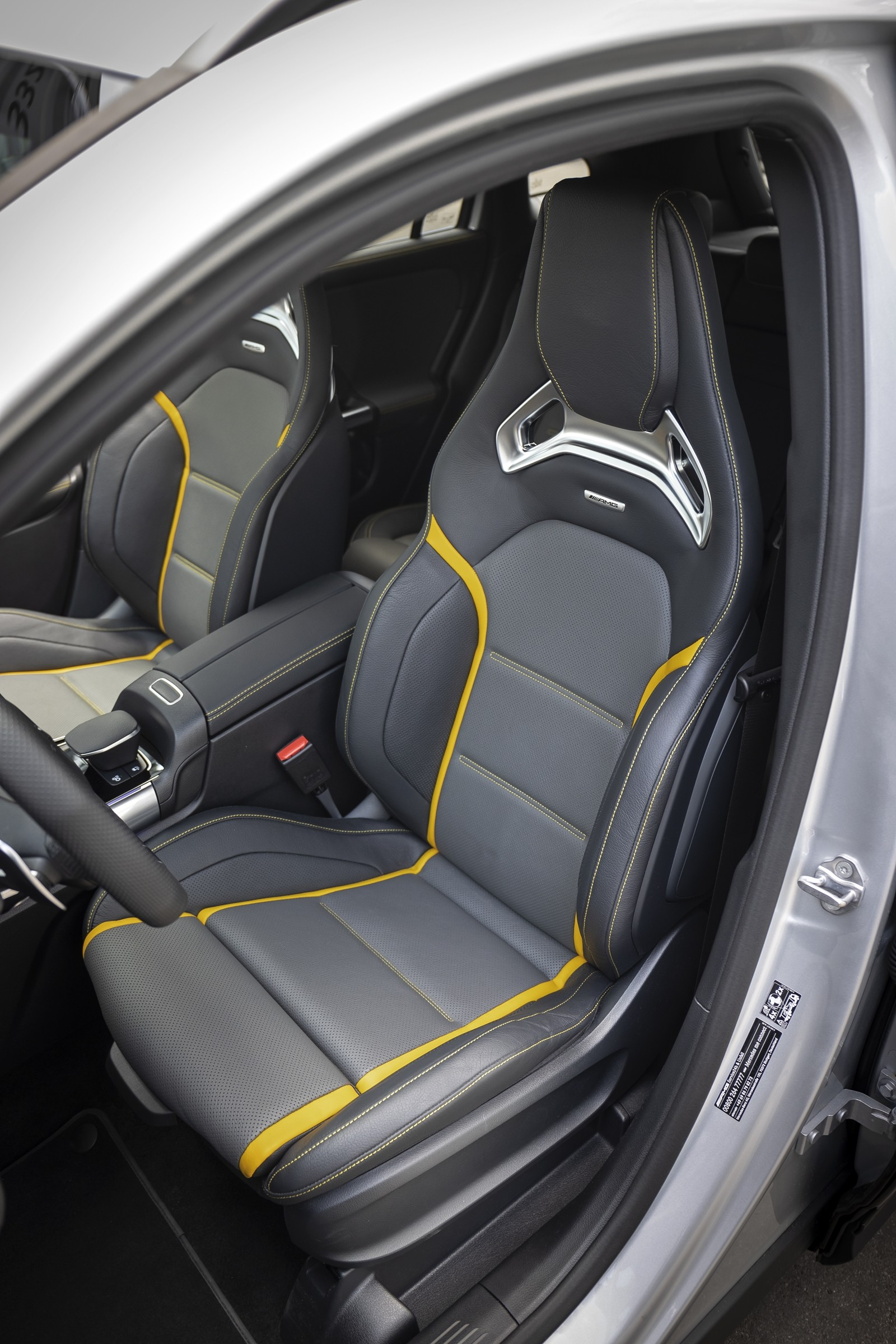 Foto de Mercedes-AMG GLA 45 S 2020 (16/28)