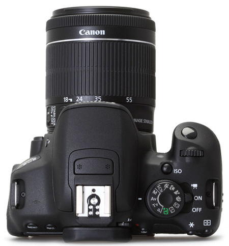 Canon EOS 700D vista superior con 18-55mm